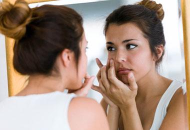 Traitement des cicatrices dues à l'acné